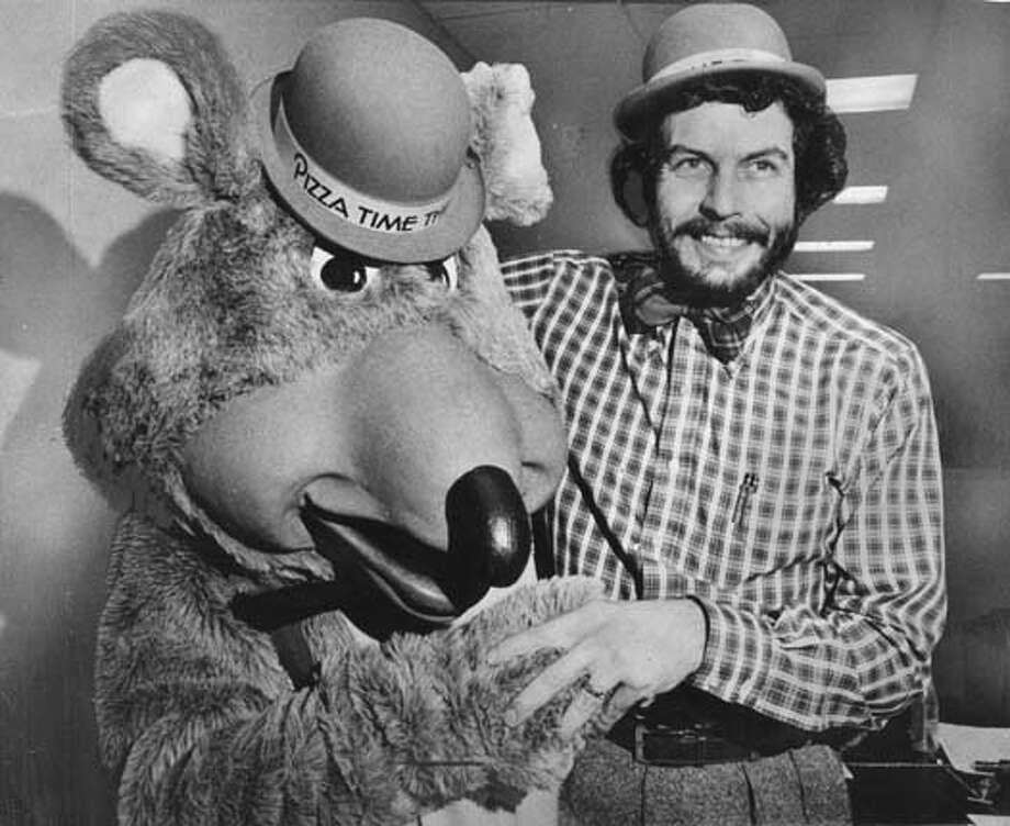 Nolan K Bushnell and Chuck E. Cheese in December 1978.
