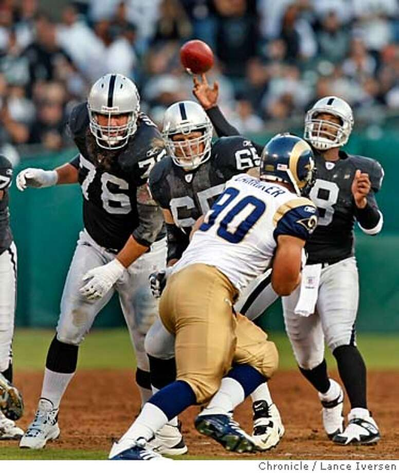 RAIDERS_RAMS62298.JPG  Oakland, CA; Oakland Raiders quarterback Daunte Culpepper (8) completes a pass during first quarter of the game against the St. Louis Rams at McAfee Coliseum in Oakland, during their preseason game Friday night. August 24, 2007. Lance Iversen/The Chronicle (cq) SUBJECT 8/24/07,in OAKLAND. CA. MANDATORY CREDIT PHOTOG AND SAN FRANCISCO CHRONICLE/NO SALES MAGS OUT Photo: By Lance Iversen