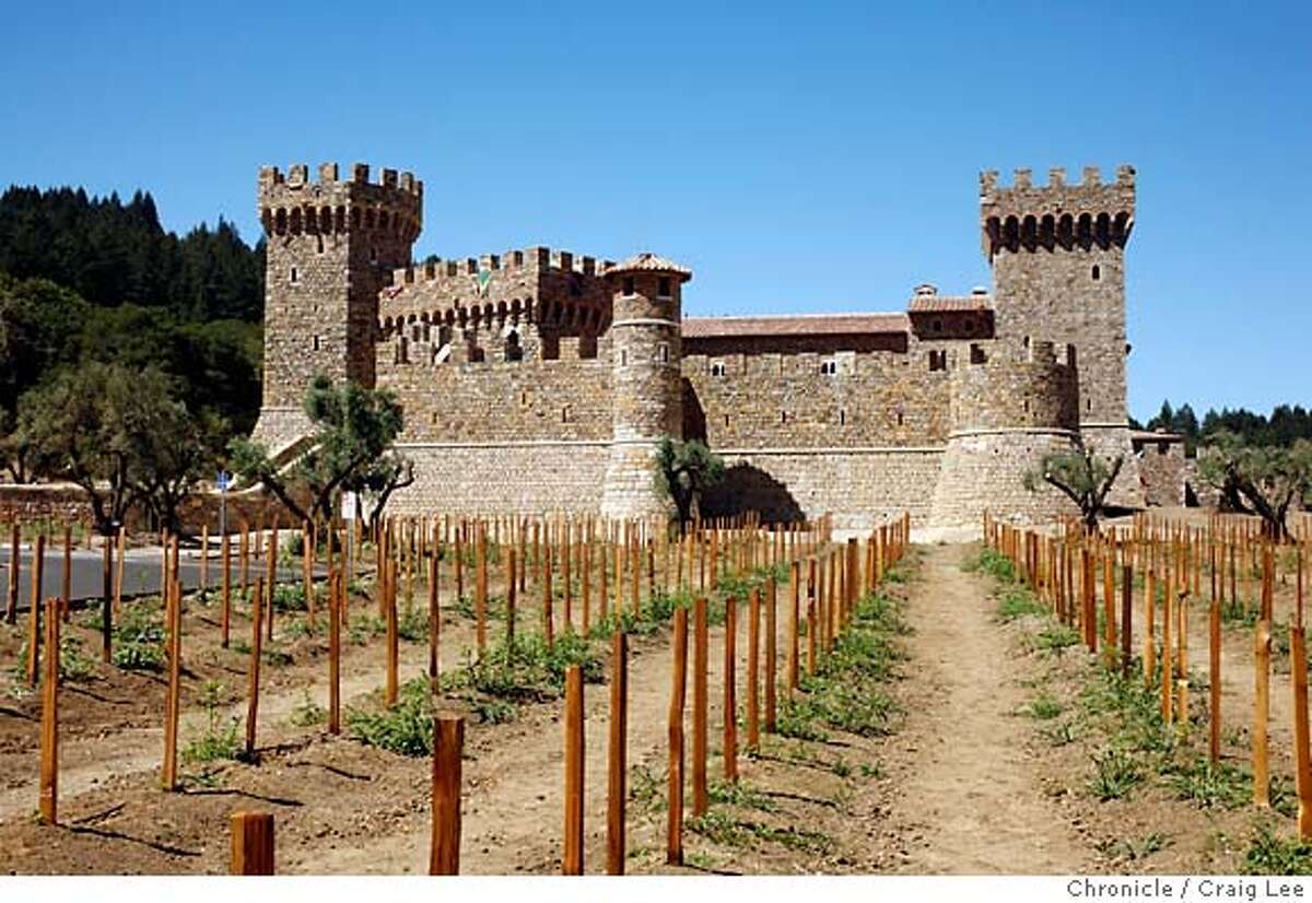 NAPA24_225_cl.JPG Story on architecture of Napa wineries for story by Chronicle writer, John King. Photo of Castello di Amorosa winery. Event on 8/15/07 in Napa. photo by Craig Lee / The Chronicle MANDATORY CREDIT FOR PHOTOG AND SF CHRONICLE/NO SALES-MAGS OUT