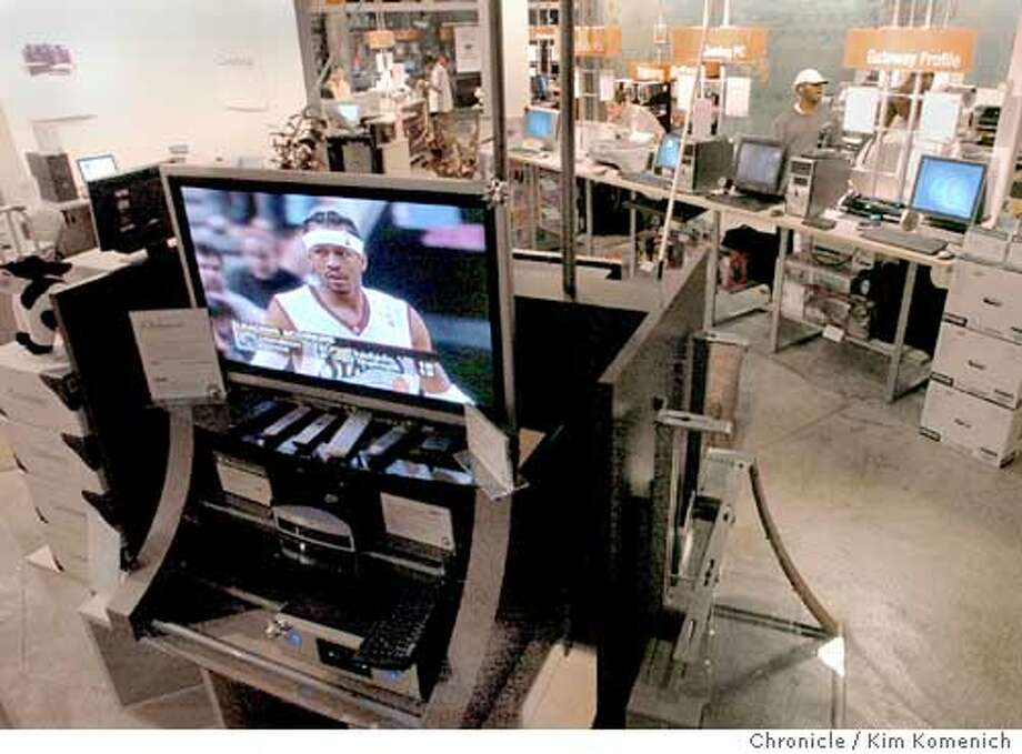 Computer stores are relying more and moreon consumer electronics to sustain sales. Gateway's Berkeley store boasts an entire section dedicated to LCD and plasma TV's. Gateway's niche is low price and ports on their screens dedicated to computers  KIM KOMENICH/The Chronicle Photo: KIM KOMENICH