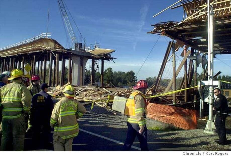 Napa bridge falls / Worker killed, 7 hurt in sudden collapse