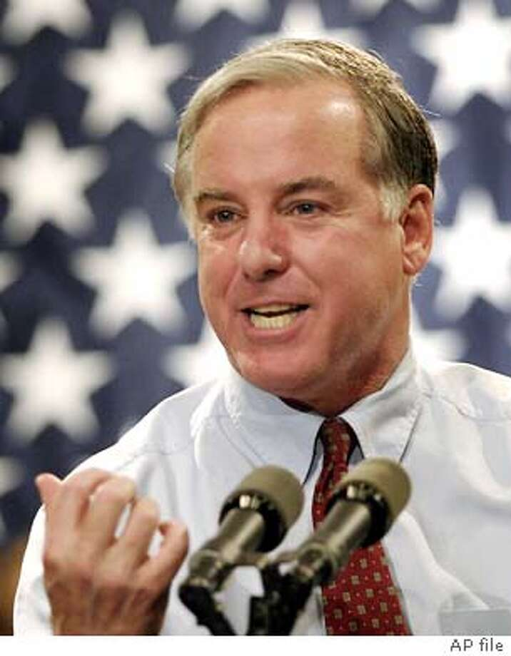 Democratic presidential candidate former Vermont Gov. Howard Dean attends a rally for union supporters at Martin Luther King Jr. High School in Detroit, Saturday, Nov. 22, 2003. (AP Photo/Bill Pugliano) Howard Dean . Photo: BILL PUGLIANO