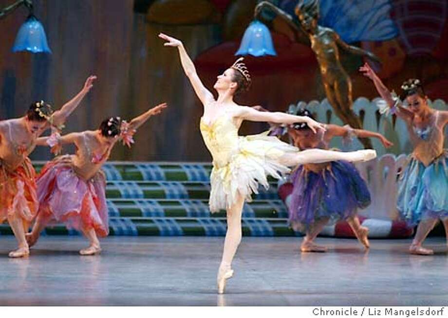 "46FB0133.JPG Event on 11/28/03 in San Francisco.  Tina LeBlanc, as the ""Butterfly"" dances during the second act of the Nutcracker during a dress rehearsal for the SF Ballet.  Dress rehearsal for the San Francisco Ballet's nutcracker at the war memorial opera house.  LIZ MANGELSDORF / The Chronicle MANDATORY CREDIT FOR PHOTOG AND SF CHRONICLE/ -MAGS OUT Photo: LIZ MANGELSDORF"
