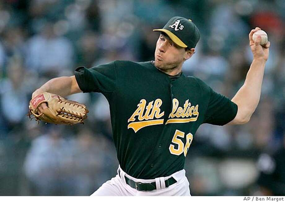 Oakland Athletics' Lenny DiNardo works against the Chicago White Sox in the first inning of a baseball game Tuesday, Aug. 14, 2007, in Oakland, Calif. (AP Photo/Ben Margot) Photo: Ben Margot