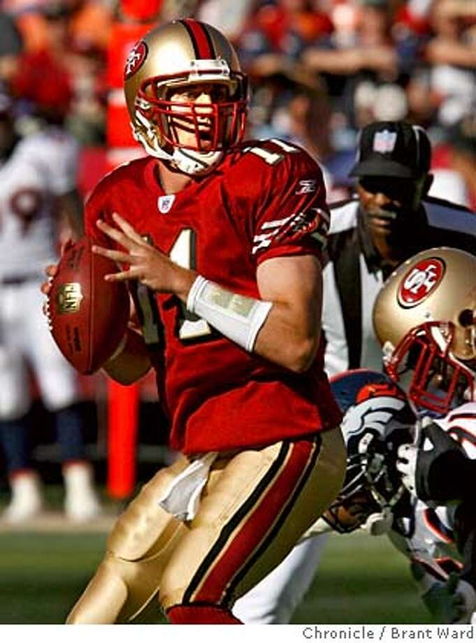 49ers_036.JPG  QB Alex Smith sees Arnaz Battle open in the first quartter for a reception.  49ers vs Denver Broncos in first exhibition game of the season Monday night.  {By Brant Ward/San Francisco Chronicle}8/13/07 Photo: Brant Ward