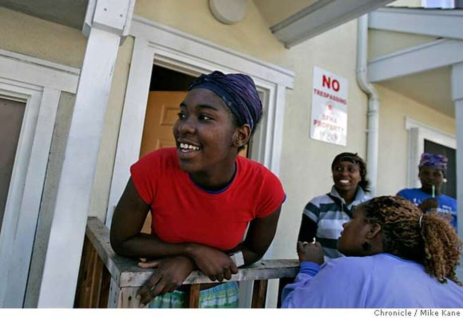 CAMERA_011_MBK.JPG  Tia Miller hangs out with friends and family in a SFHA housing project at the corner of Eddy and Laguna in San Francisco, CA, on Monday, August, 13, 2007. photo taken: 8/13/07  Mike Kane / The Chronicle *Tia Miller MANDATORY CREDIT FOR PHOTOG AND SF CHRONICLE/NO SALES-MAGS OUT Photo: MIKE KANE