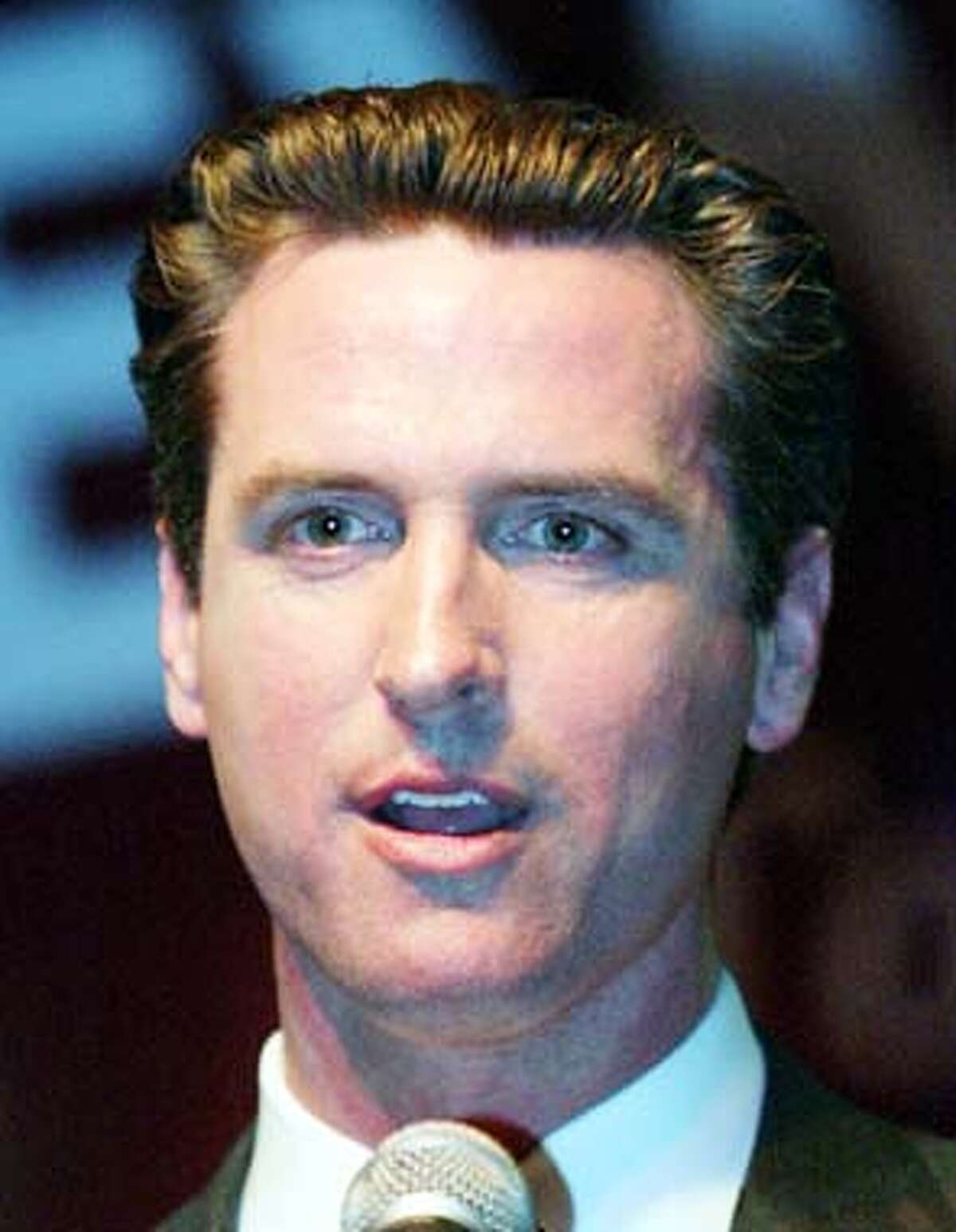 San Franicisco mayoral candidate Supervisor Gavin Newsom addresses supporters at an election night party in San Francisco, November 4, 2003. Newsom came in first in a field of six major candidates and will face fellow supervisor Matt Gonzalez in a runoff election in December. REUTERS/Lou Dematteis Matt Gonzalez Matt Gonzalez is picking up voters from Alioto, Ammiano and Leal, the poll shows. Matt Gonzalez is picking up voters from Alioto, Ammiano and Leal, the poll shows. Matt Gonzalez Matt Gonzalez