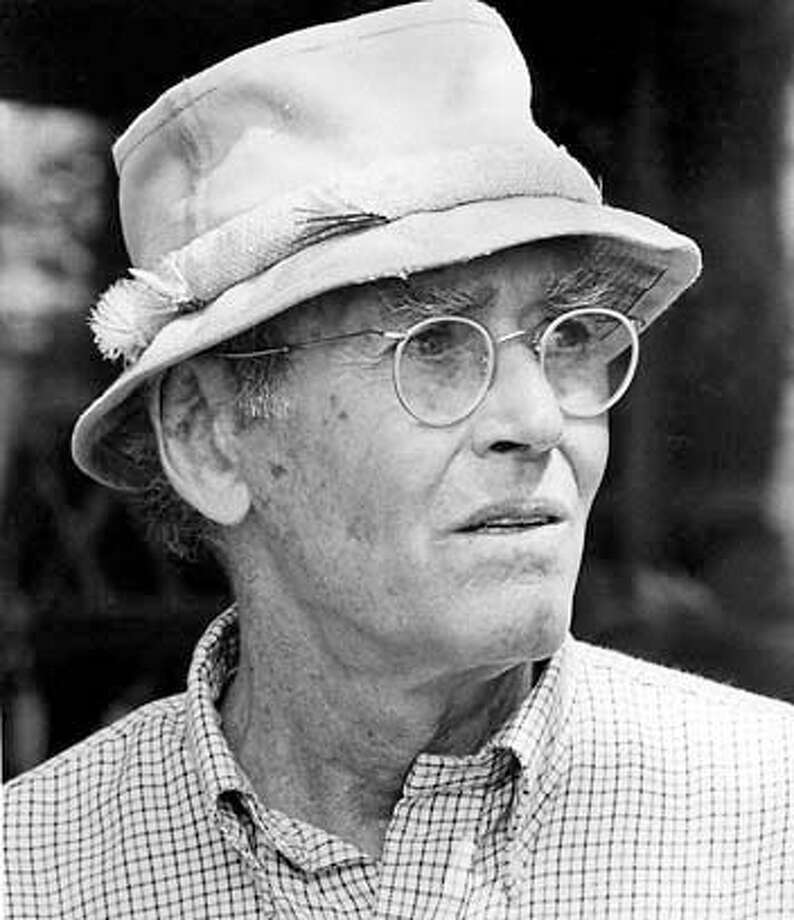 "FONDA-22 JAN82-HO  HENRY FONDA IN ""ON GOLDEN POND"", STARS AS NORMAN THAYER, JR. SCANNED Photo: Ho"
