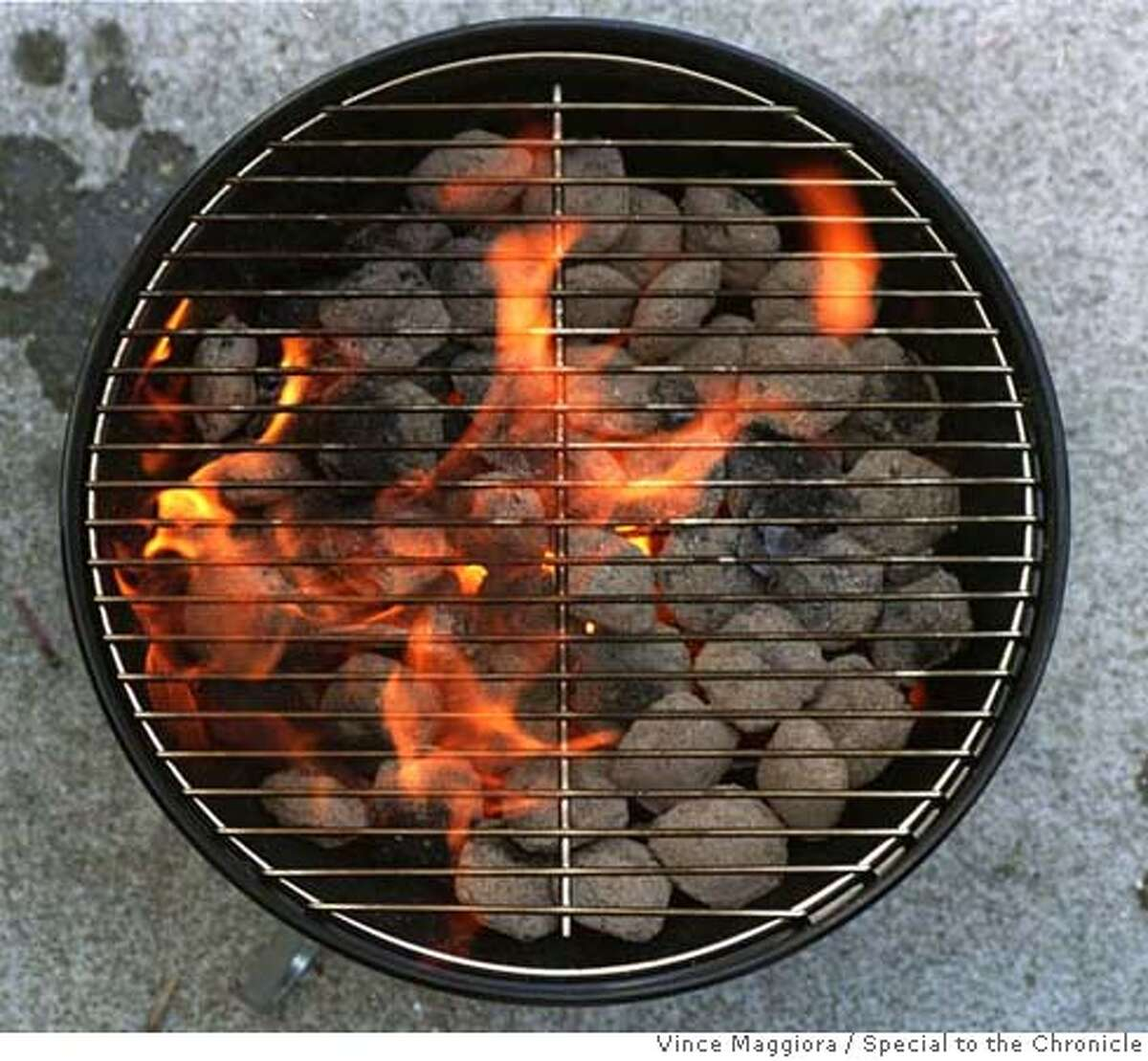 BARBEQUE GRILL - BBQ. by Vince Maggiora/CHRONICLE