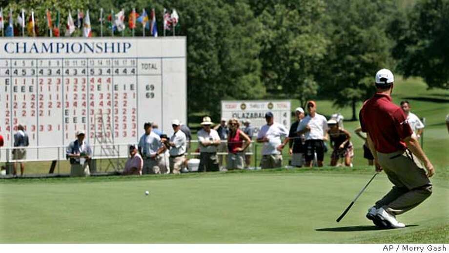 Arron Oberholser reacts after missing a putt on the 18th hole during the first round of the 89th PGA Golf Championship at the Southern Hills Country Club in Tulsa, Okla., Thursday, Aug. 9, 2007. Oberholser finished at 2-under-par. (AP Photo/Morry Gash) EFE OUT Photo: Morry Gash