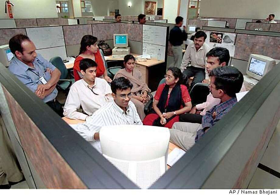INDIA TECH TRICKLE-DOWN_06/01/03_COLOR_2star_Business_I3_full_er 6273 Photo: NAMAS BHOJANI