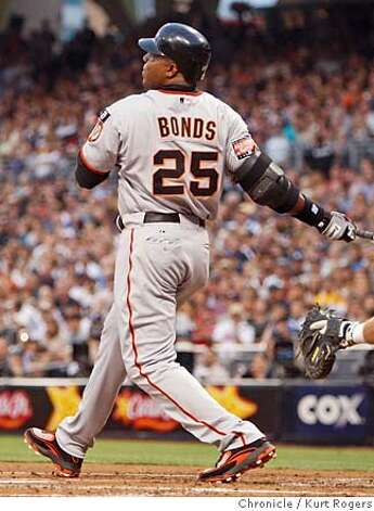Bonds' home run Photo: Kurt Rogers