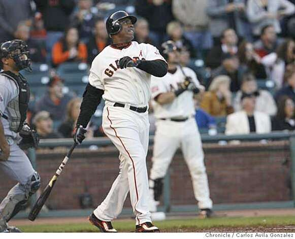 Barry Bonds watches home run number 754 in the bottom of the first inning off of Marlins starter Rick Vanden Hurk. Florida Marlins play the San Francisco Giants at AT&T Park in San Francisco, CA, on Friday, July, 27 2007. photo taken: 07/27/2007  Carlos Avila Gonzalez / The Chronicle ** (cq) Photo: Carlos Avila Gonzalez