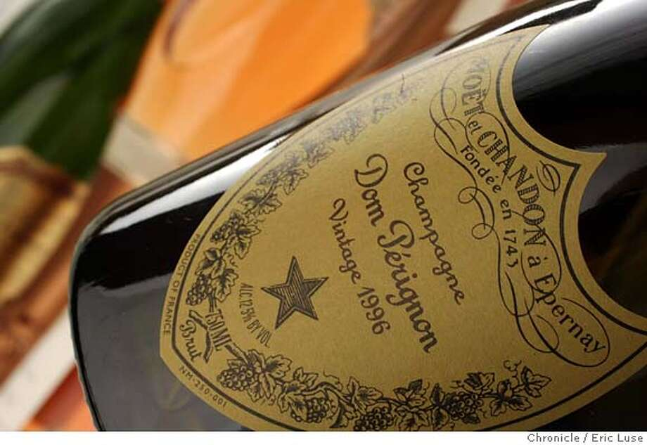 perignon15_063_el.JPG Please get a stylish shot of a bottle of 1996 Dom Perignon Champagne.  To illustrate insider story on this famous bubbly.  Event on perignon15_063_el.JPG in San Francisco  Photographer:� Eric Luse / The Chronicle Ran on: 12-15-2005 Ran on: 12-15-2005  Photo caption MANDATORY CREDIT FOR PHOTOG AND SF CHRONICLE/NO SALES-MAGS OUT Photo: Eric Luse