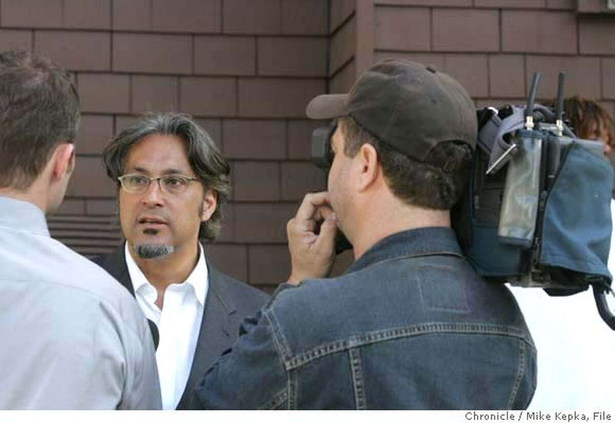 murder079_mk.JPG San Francisco Supervisor Ross Mirkarimi talks to the media about yet another murder in his district as San Francisco Police Officers investigate a shooting that killed Antoine