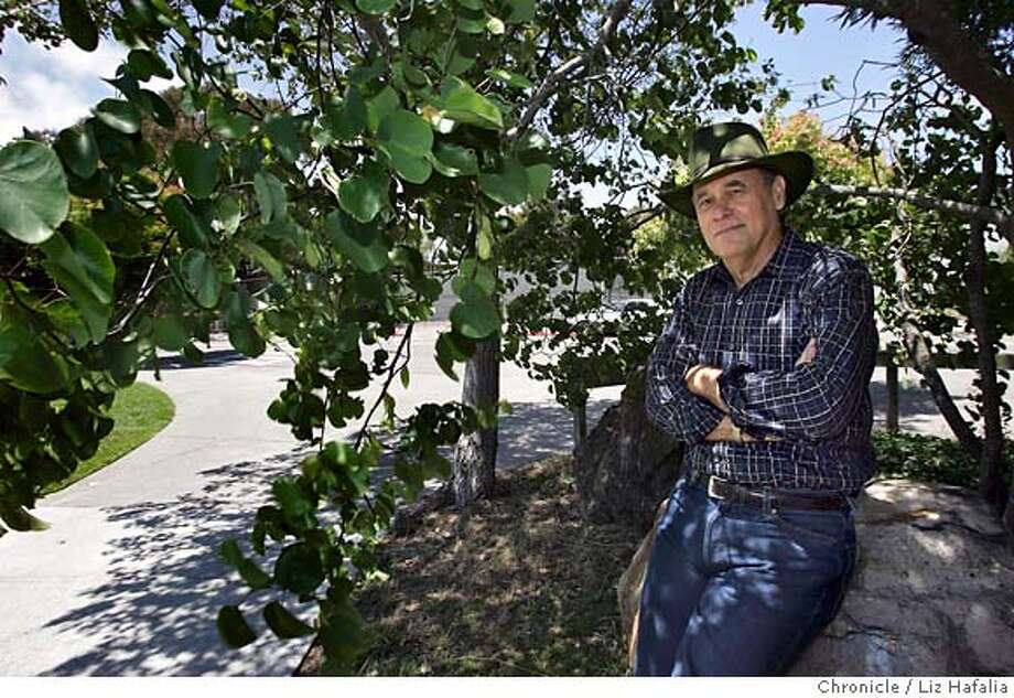 "BAYBOOK_039_LH_.JPG UC Berkeley professor Richard A. Walker has written, ""The Country in the City,"" which documents the powerful environmental history of the SF Bay Area. He is in Cedar-Rose park. Liz Hafalia/The Chronicle/BERKELEY/7/16/07  **Richard A. Walker cq �2007, San Francisco Chronicle/ Liz Hafalia  MANDATORY CREDIT FOR PHOTOG AND SAN FRANCISCO CHRONICLE. NO SALES- MAGS OUT. Photo: Liz Hafalia"