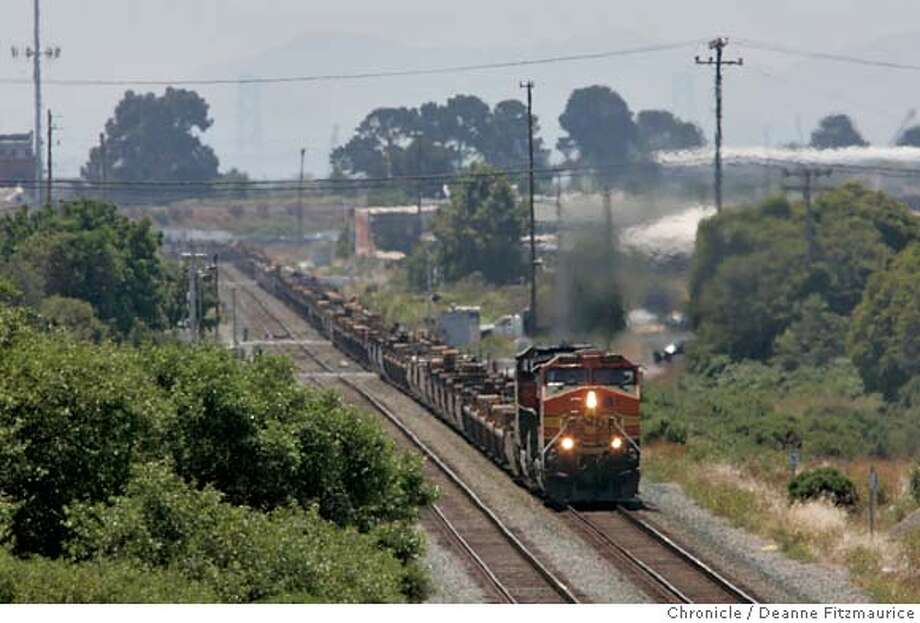 diesel18_006_df.JPG  Trains running through Richmond are believed to be polluting the air.  San Francisco Chronicle/ Deanne Fitzmaurice Photo: Deanne Fitzmaurice