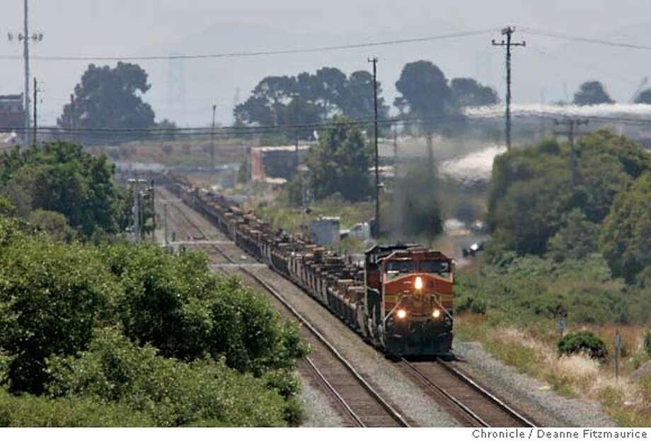 diesel18_006_df.JPG  Trains running through Richmond are believed to be polluting the air.  San Francisco Chronicle/ Deanne Fitzmaurice Photo: Deanne Fitzmaurice