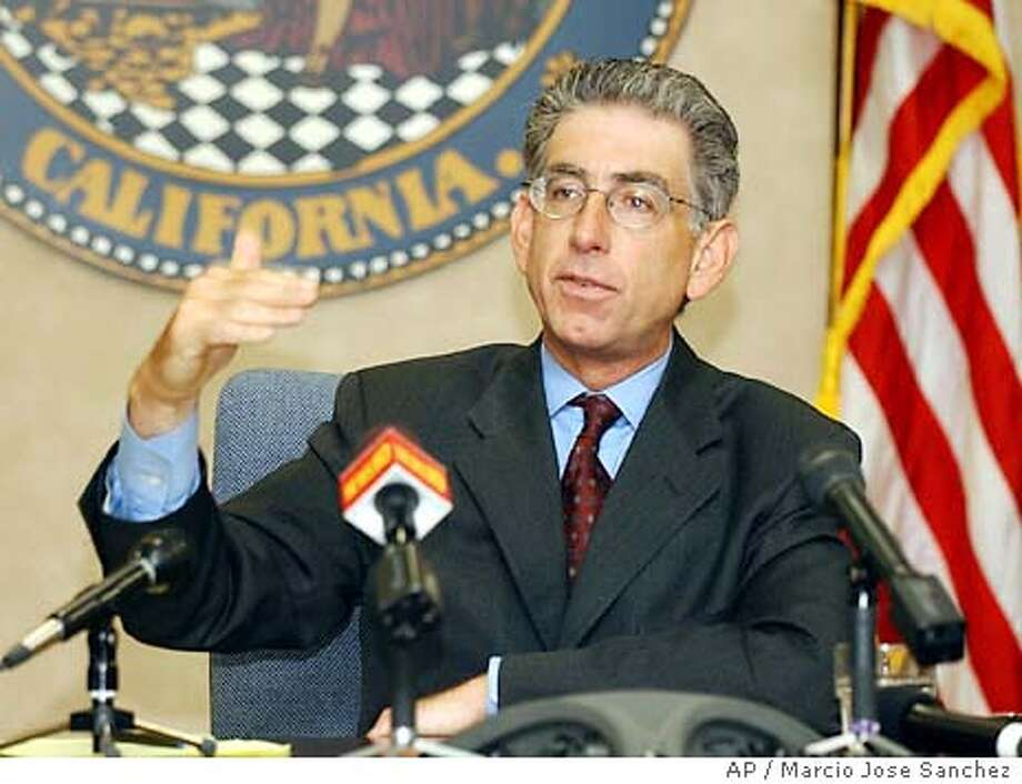 California State Treasurer Philip Angelides addresses the media in his office at the California State Capitol in Sacramento, Calif., on Wednesday, Oct. 8, 2003. (AP Photo/Marcio Jose Sanchez) Phil Angelides Photo: MARCIO JOSE SANCHEZ