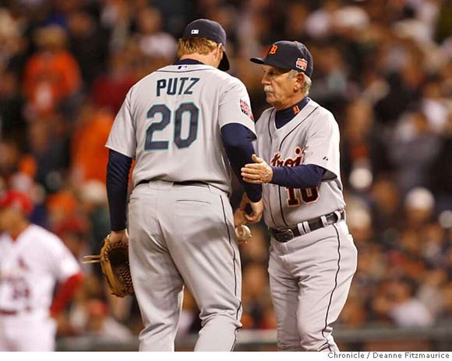 allstar11b_0681_df.jpg J.J. Putz is taken out of the game by Jim Leyland in the 9th inning after walking J.J. Hardy. All-Star game at AT&T Park. Photographed in San Francisco on 7/10/07. Deanne Fitzmaurice / The Chronicle Ran on: 07-11-2007  Seattle closer J.J. Putz got the first two outs of the ninth inning, but his appearance ended after a single, a two-run home run by Alfonso Soriano and a walk.  Ran on: 07-11-2007  Seattle closer J.J. Putz got the first two outs of the ninth inning, but his appearance ended after a single, a two-run home run by Alfonso Soriano and a walk. Photo: Deanne Fitzmaurice