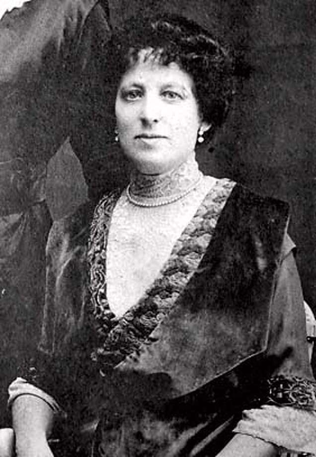 """lostproperty01_0005_db.JPG (HI-REZ VERSION)  Carla Ruff's photo shows great grandmother, Sara Rosenthal which Ruff also believes might also show (she's not entirely sure) one of her rare family valuables, a pearl necklace, that she inherited from her grandmother passed on from her great grandmother. Carla Ruff recently found out that family valuables she inherited from her grandmother, Rose Ruff Wund, were gone from her Bank of America safety deposit box, sold at the request of the state as """"abandoned."""" in San Francisco, CA, on Thursday, June, 28, 2007. photo taken: 6/28/07 ** Carla Ruff (cq) (copy Darryl Bush) MANDATORY CREDIT FOR PHOTOG AND SF CHRONICLE/NO SALES-MAGS OUT Photo: Courtesy Photo"""