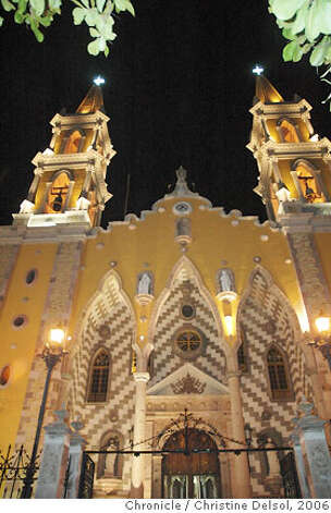 TRAVEL MAZATLAN -- The cathedral on Plaza la Republica in downtown Mazatlan.  Credit: Christine Delsol / The Chronicle 2006 Photo: Christine Delsol