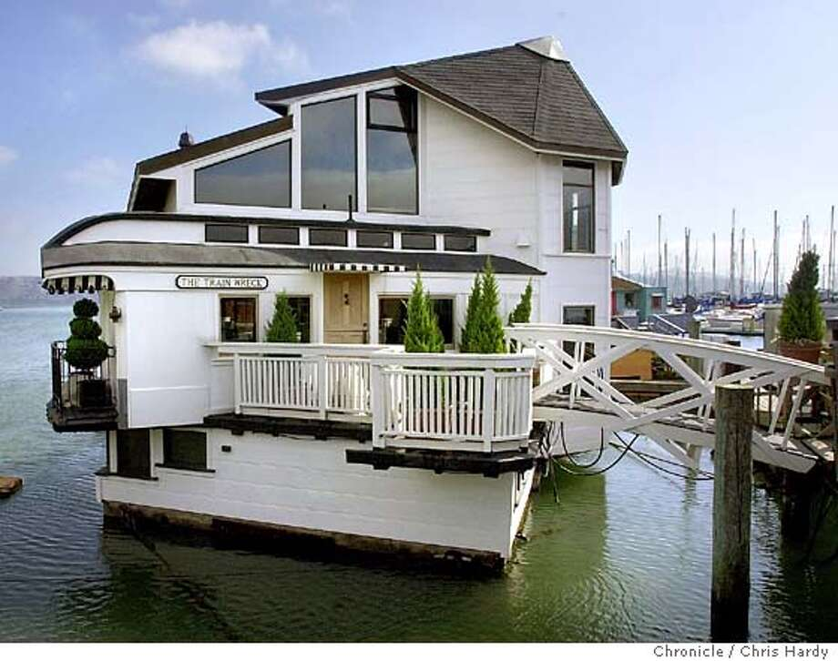 Story Is About Sausalito S Floating Homes For Henry And Renee Baer Life On The