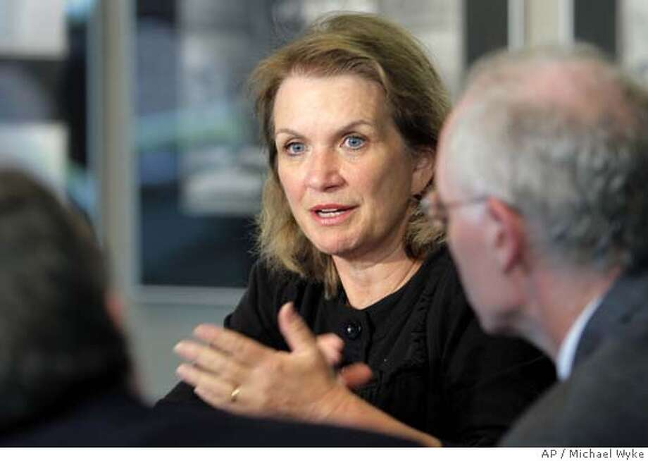 Elizabeth Edwards, wife of Democratic presidential hopeful John Edwards, speaks to reporters during an impromptu news conference before attending a private fundraiser in Tulsa, Okla., Thursday, June 21, 2007. (AP Photo/Tulsa World, Michael Wyke) Photo: Michael Wyke