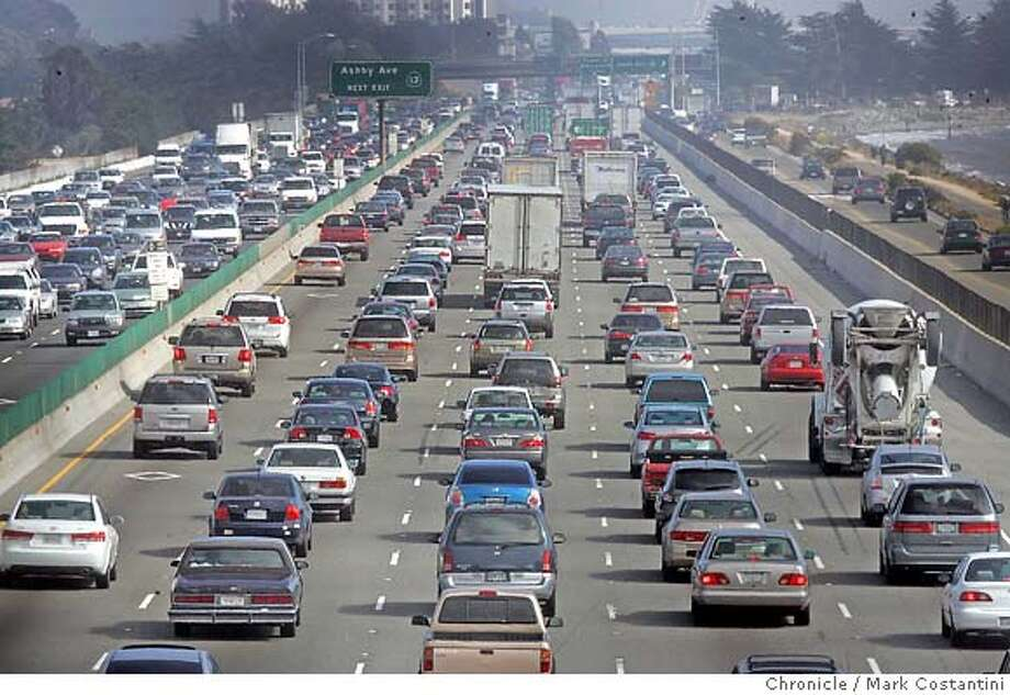 Westbound commute between Hercules and the Bay Bridge -- pictured here in Berkeley from near University Ave. PHOTO: Mark Costantini / The Chronicle Photo: MARK COSTANTINI