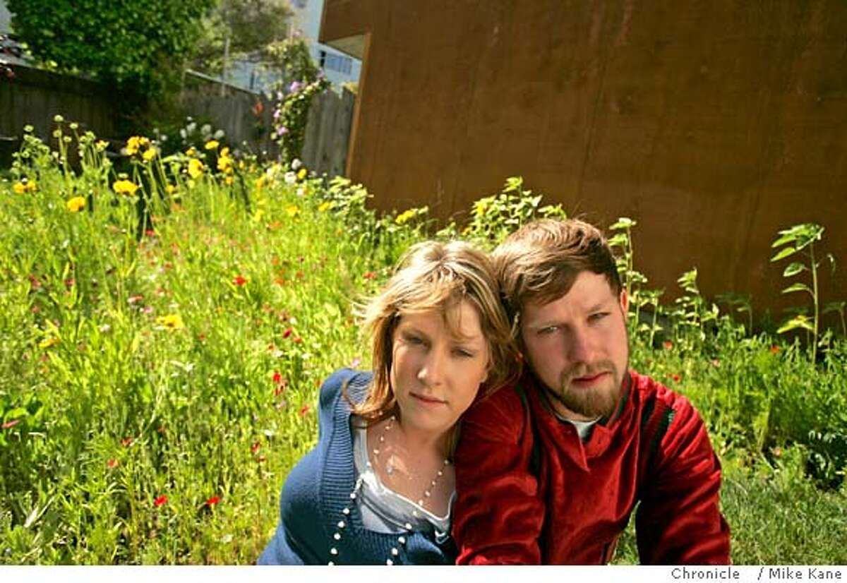 TWINS_062_MBK.JPG Twins Mark and Clair Farley at Mark's apartment in San Francisco, CA, on Wednesday, June, 6, 2007. photo taken: 6/6/07 Mike Kane / The Chronicle *Mark Farley Clair Farley MANDATORY CREDIT FOR PHOTOG AND SF CHRONICLE/NO SALES-MAGS OUT