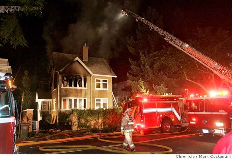 House fire on College at Derby in Berkeley. PHOTO: Mark Costantini / The Chronicle Photo: MARK COSTANTINI
