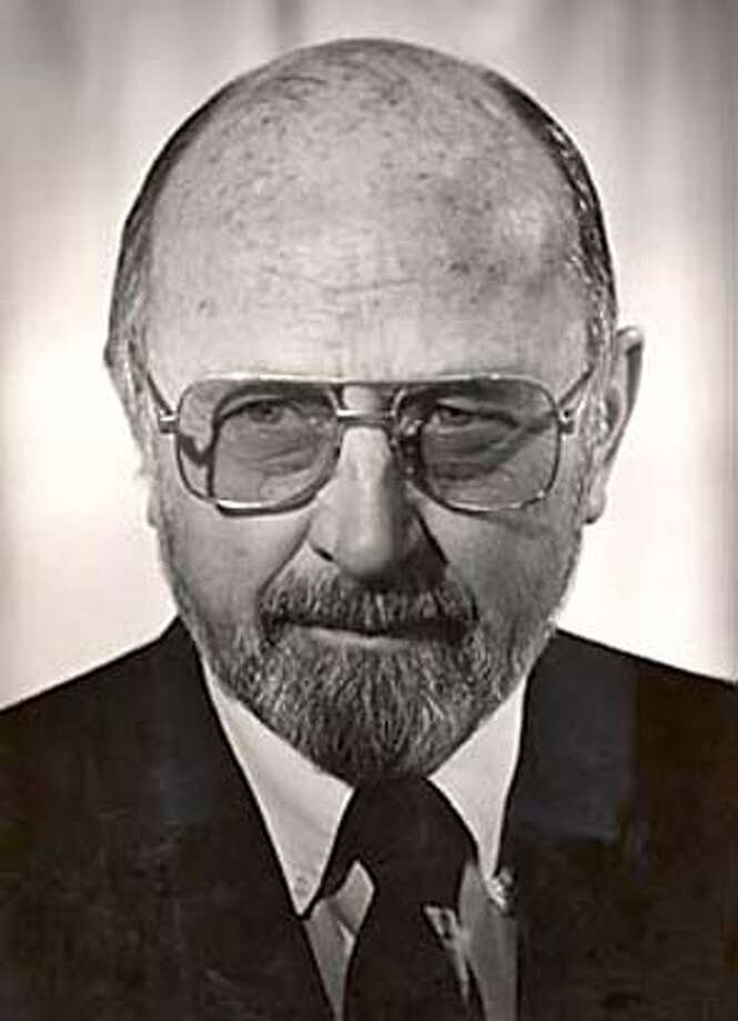 Obit photo of Harold Helgeson Photo: UC Berkeley