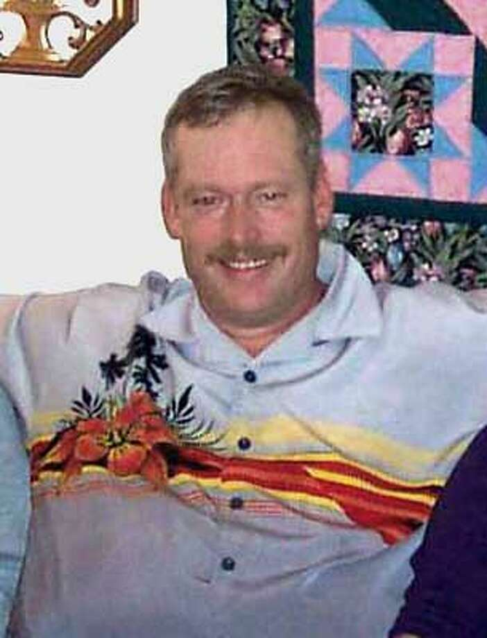 Scott Lofgren Ran on: 12-20-2005  Scott Lofgren, 43, was struck and killed by a car while putting down flares on Interstate 80. Ran on: 12-20-2005  Scott Lofgren, 43, was struck and killed by a car while putting down flares on Interstate 80. Photo: Handout