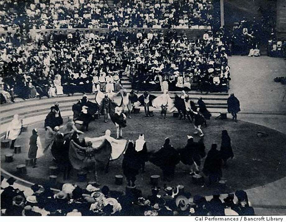 For GREEK21, Datebook ; UC Berkeley students in a 1903 performance of Aerostophanes� The Birds at the William Randolph Hearst Greek Theatre ; P hoto courtesy of Cal Performances / The Bancroft Library ; on 7/25/03 in . / Cal Performances/Bancroft Library