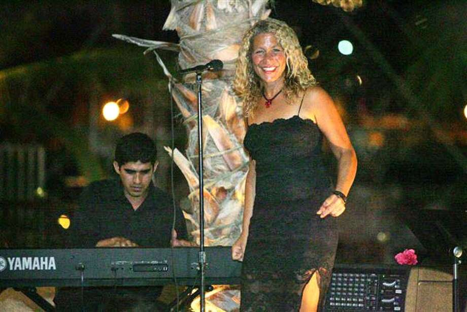 Jazz singer Daline Jones performs in her hometown of Cabo San Lucas, Mexico. Photo: Mariano Lemus, 2006