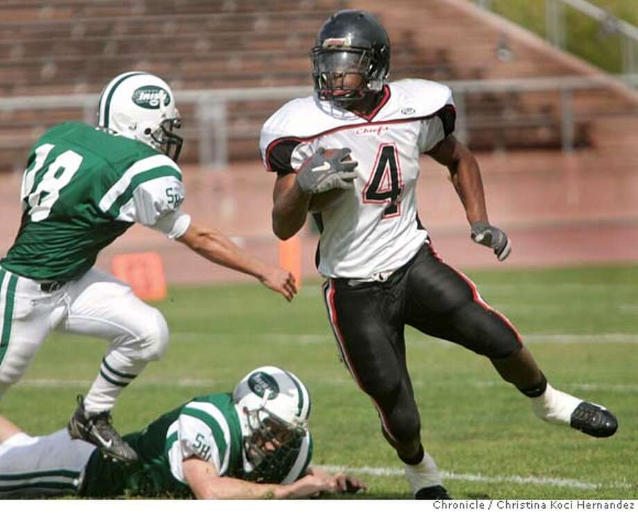Salesian's #4, Jahvid Best runs with the ball in the third quarter.Prep