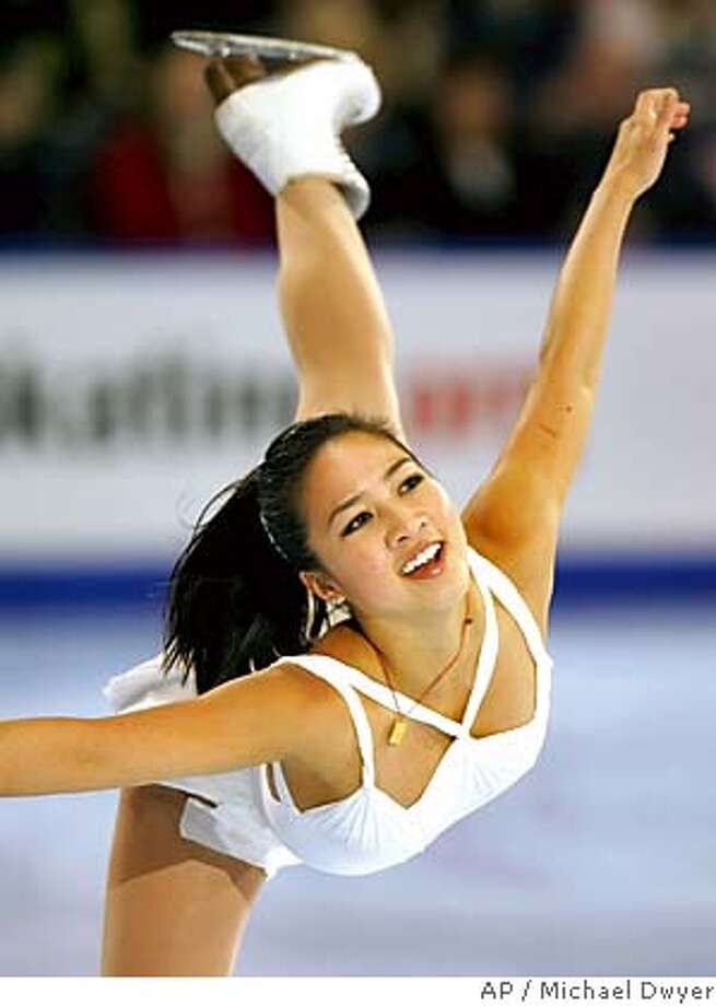 Michelle Kwan competes in the Marshalls US Figure Skating Challenge in Boston, Sunday, Dec. 11, 2005. (AP Photo/Michael Dwyer) Photo: MICHAEL DWYER