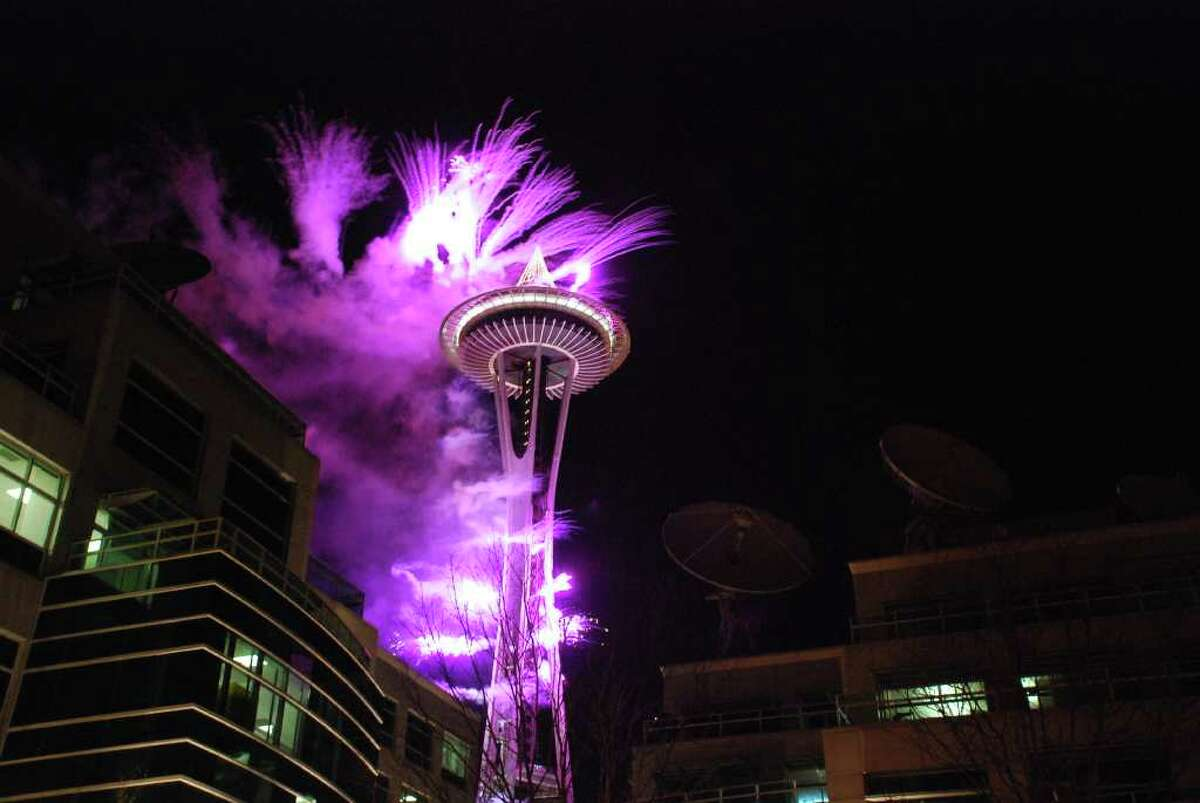 Space Needle cancels New Year's fireworks to ring in 2021