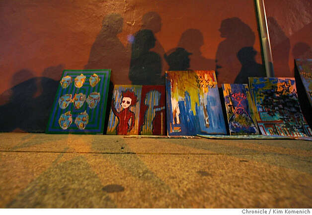 "The first Friday of each month is ""Art Murmur"" in Oakland where dozen galleries stay open for late for an ""art crawl"". Photo: Kim Komenich"