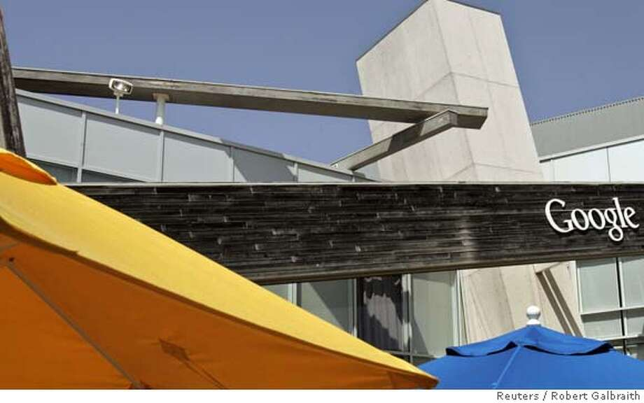 A general view of the Google headquarters in Mountain View, California May 15, 2007. REUTERS/Robert Galbraith (UNITED STATES) 0 Photo: ROBERT GALBRAITH