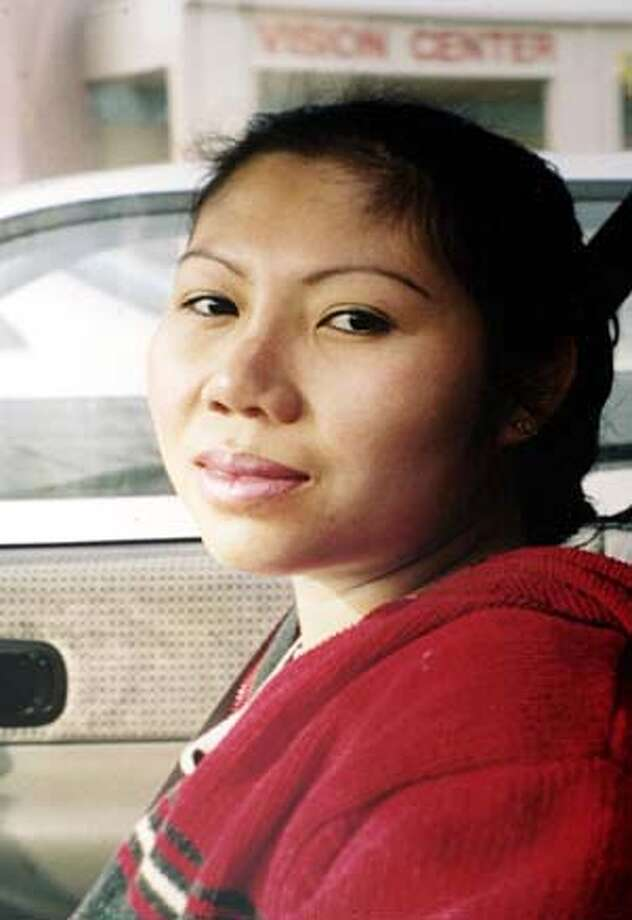 SJSHOOT009.JPG Cau Bich Tran was shot and killed in her San Jose home on Sunday night. This is a handout photo of Cao. 7/14/03 in San Jose.  FAMILY HANDOUT PHOTO  (copied by Gina Gayle/ The Chronicle) Joy Tamez testified that Cau Bich Tran was shot three seconds after officers entered the apartment. Joy Tamez testified that Cau Bich Tran was shot three seconds after officers entered the apartment. Cau Bich Tran's family filed a wrongful death lawsuit against the San Jose police. Cau Bich Tran's family filed a wrongful death lawsuit against the San Jose police. Cau Bich Tran's family filed a wrongful death lawsuit against the San Jose police. CAT Arthur Bao holds son Dylan as he looks over notes for a meeting on the death of Cau Bich Trach, top. His stepson, Ryan, and wife, Tracie, are in the background. Arthur Bao holds son Dylan as he looks over notes for a meeting on the death of Cau Bich Tran, top. His stepson, Ryan, and wife, Tracie, are in the background. also ran 12/29/03 Photo: GINA GAYLE