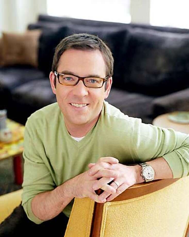 """SLUG: Photo Credit: Peter Ross  SHOWN: Ted Allen in his author photo for his book, """"The Food You Want to Eat."""" Photo: PETER ROSS"""