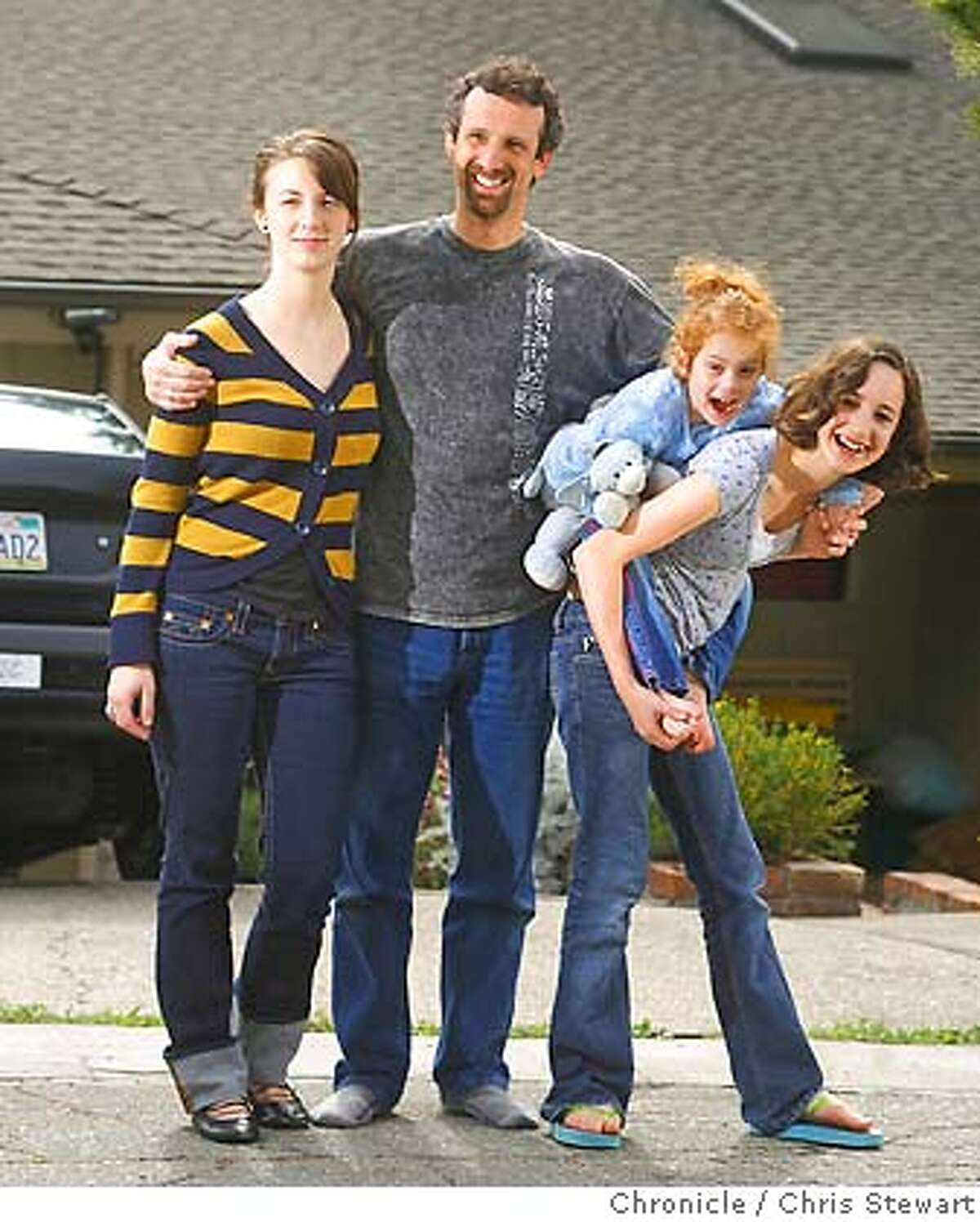 mrdad00118_mk.JPG Armin Brott with his three daughters (left-rt) Tifzah Brott, 17, Zoe Brott, 4, and Talya Brott, 13, is an Oakland based writer known to many as Mr. Dad by many for his many books on fatherhood. 4/7/07. Mike Kepka / The Chronicle Armin Brott Tifzah Brott Zoe Brott Talya Brott, (cq) the source