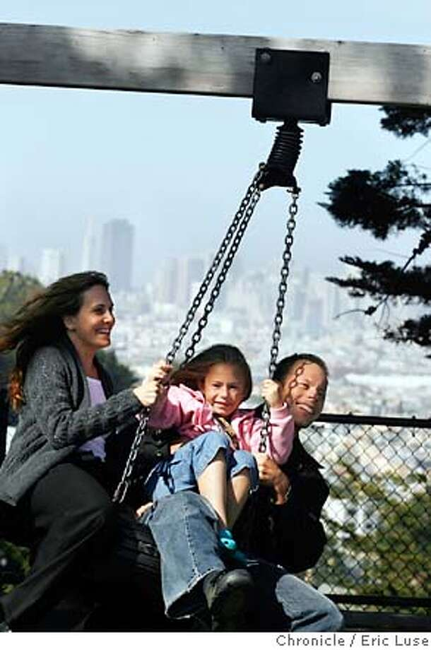 lilaguide060119_el.JPG  Oli Mittermaier wrote the Lila Guide for parents about the best places in a city for kids. He is here at the Walter Haas playground in San Francisco with his daughter Delilah his wife Dr. Elysa Marco. Photographer:  Eric Luse / The Chronicle names cq from the source MANDATORY CREDIT FOR PHOTOG AND SF CHRONICLE/NO SALES-MAGS OUT Photo: Eric Luse