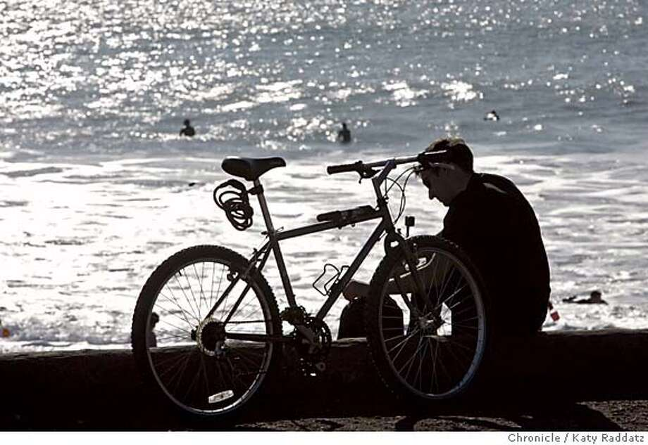 OUTDOORS24_026_RAD.JPG SHOWN: A bicyclist pauses on the road separating Rodeo Lagoon from Rodeo Beach. Rodeo Lagoon and Rodeo Beach, near Fort Cronkhite in the Marin Headlands. Photo taken on 11/20/05, in Marin Headlands, CA.  By Katy Raddatz / The San Francisco Chronicle MANDATORY CREDIT FOR PHOTOG AND SF CHRONICLE/ -MAGS OUT Photo: Katy Raddatz