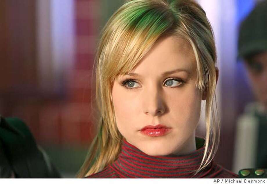"This 2007 photo supplied by the CW shows Kristen Bell, who plays the title role in ""Veronica Mars"" on The CW Network. The smart dramedy starring the blonde pixie as a tough teenage sleuth with wisecracks and style to spare has been canceled after three seasons. (AP Photo/CW,Michael Desmond) MANDATORY CREDIT; NO SALES; NO ARCHIVE; ONE TIME USE ONLY Photo: MICHAEL DESMOND"
