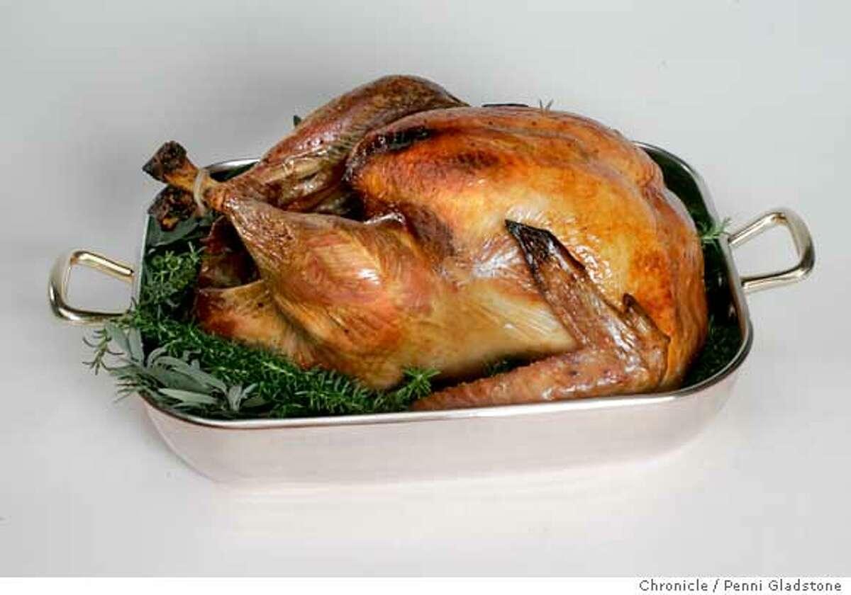 Turkey16_0022_PG.JPG thanksgiving turkey on copper roaster San Francisco Chronicle, Penni Gladstone Photo taken on 10/13/05, in San Francisco,