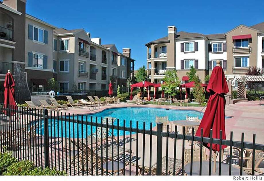 Canyon Oaks apartments in Windemere area of San Ramon sold. With Strictly Commercial column, 05-08-2006  Credit: Robert Hollis Photo: Robert Hollis