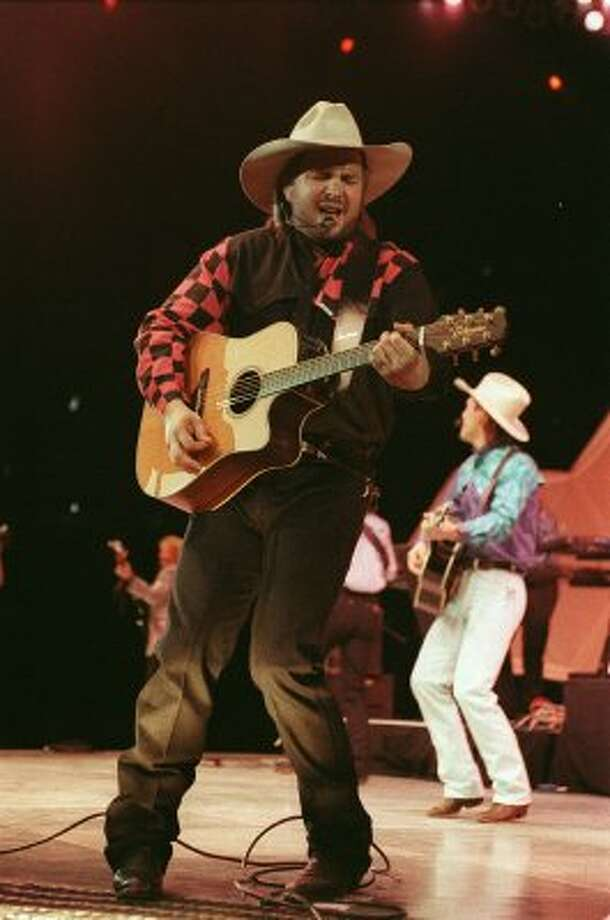 CONTACT FILED:  GARTH BROOKS.  02/22/1993 - Garth Brooks performs at the Houston Livestock Show and Rodeo on Feb. 22, 1993.     HOUCHRON CAPTION (02/10/2002):  Garth Brooks wowed the crowd in a Feb. 22, 1993, concert. (Houston Chronicle)