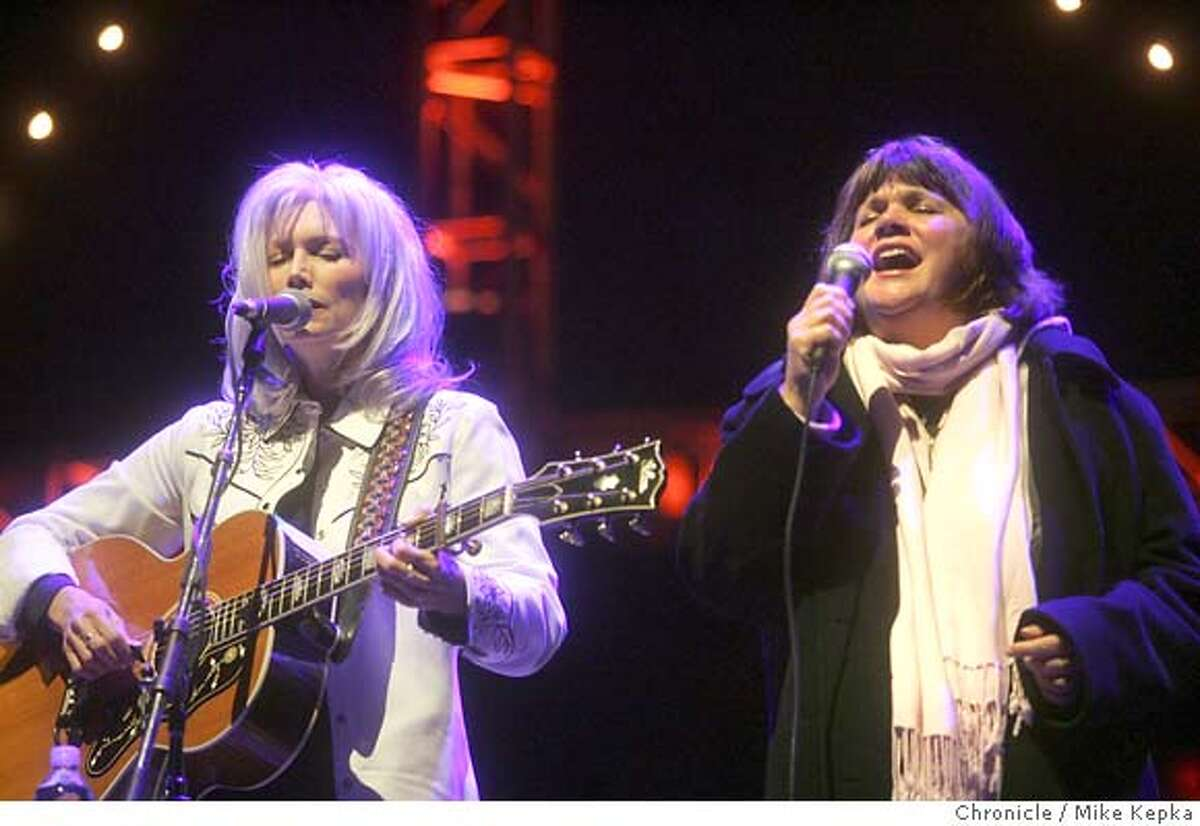 bridge056_mk.JPG Emmylou Harris and Linda Ronstadt perform at this year's Bridge School Benefit at the Shoreline Ampitheater. date} Mike Kepka / The Chronicle MANDATORY CREDIT FOR PHOTOG AND SF CHRONICLE/ -MAGS OUT